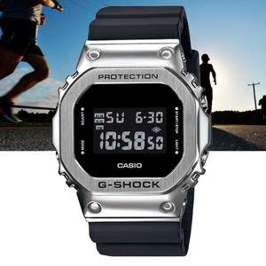 Relogio-Casio-G-Shock-Padrao-Digital-GM-5600-1DR-Prata-e-Preto-01
