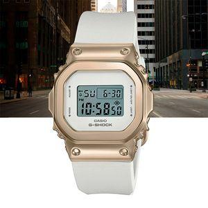 Relogio-Casio-G-Shock-Digital-GM-S5600G-7DR-Dourado-e-Branco-01